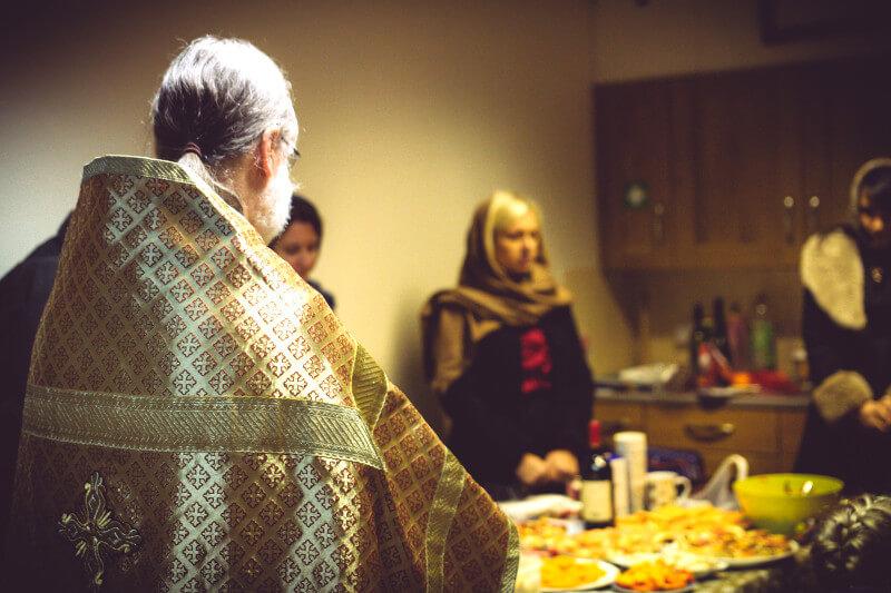 Archpriest Joseph blesses the food